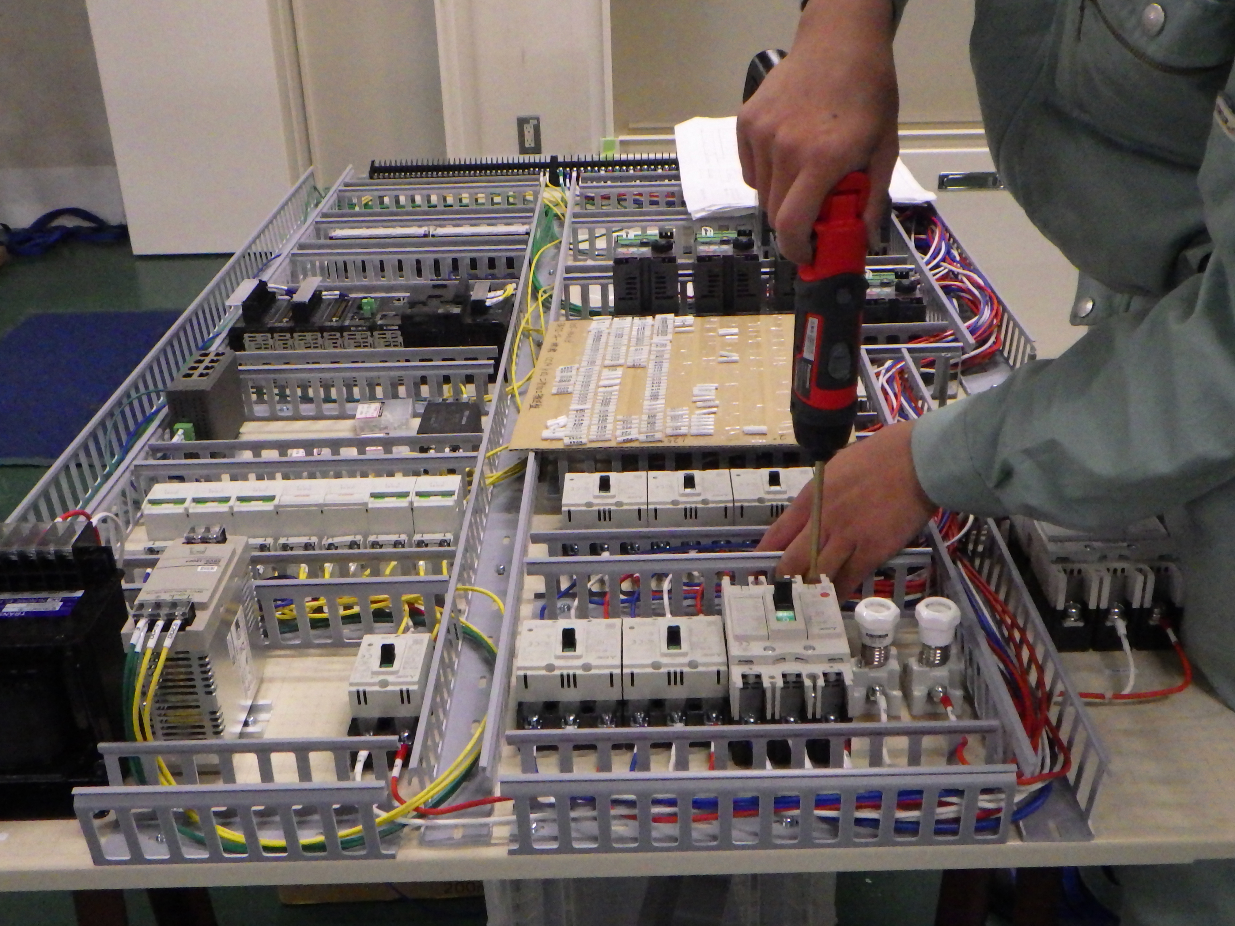 社内制御盤製造室